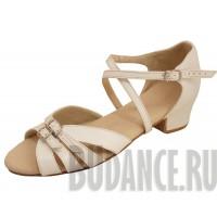 Танцевальная / спортивная  обувь